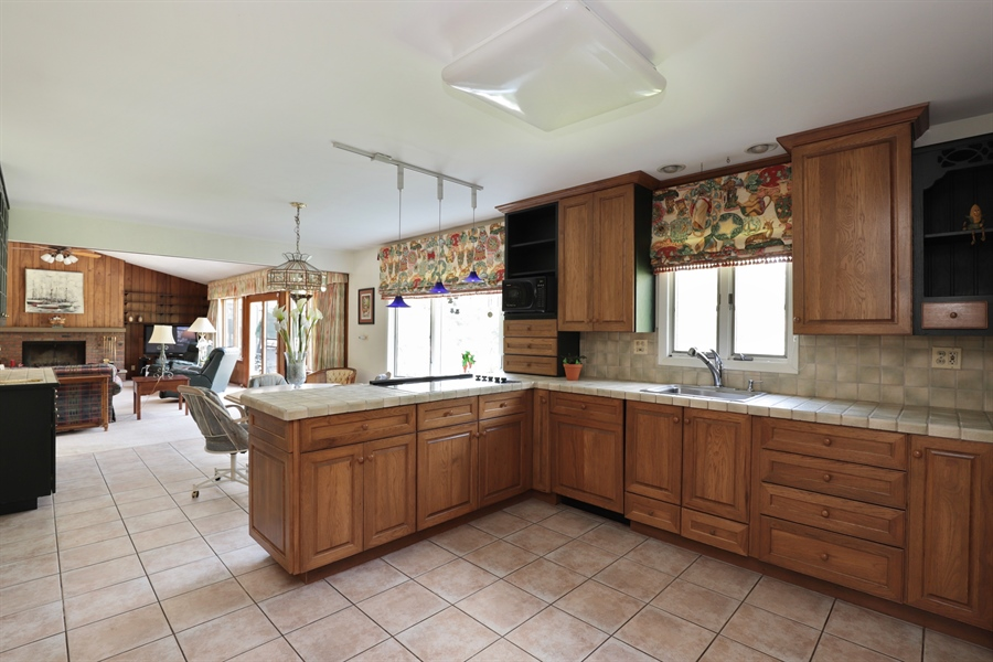 Real Estate Photography - 40306 N. Sunset Drive, Antioch, IL, 60002 - Kitchen / Breakfast Room
