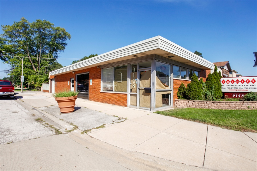 Real Estate Photography - 9148 South Kedzie Ave, Evergreen Park, IL, 60805 - Front View