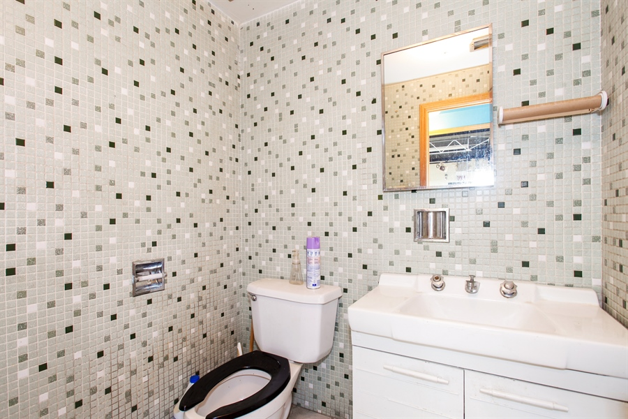 Real Estate Photography - 9148 South Kedzie Ave, Evergreen Park, IL, 60805 - Bathroom