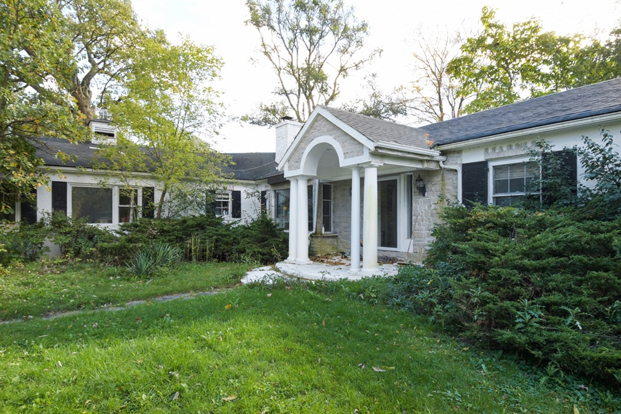 Real Estate Photography - 1555 Half Day Road, Bannockburn, IL, 60015 - Front View