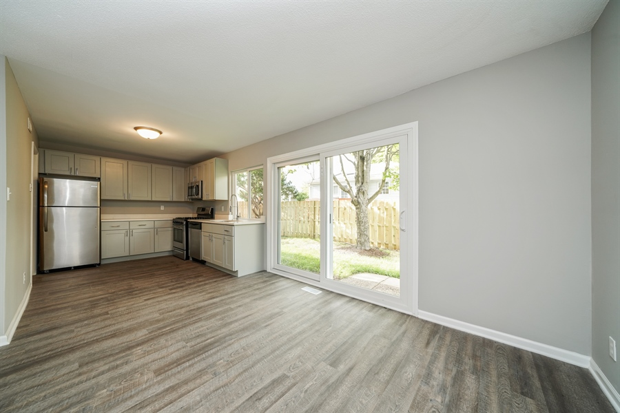 Real Estate Photography - 313 Beechwood Drive, Romeoville, IL, 60446 - Kitchen/Dining