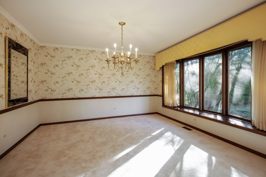 Real Estate Photography - 127 Hidden Oaks Dr, Barrington, IL, 60010 - Dining Room