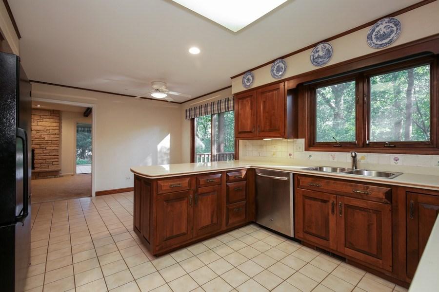 Real Estate Photography - 127 Hidden Oaks Dr, Barrington, IL, 60010 - Kitchen