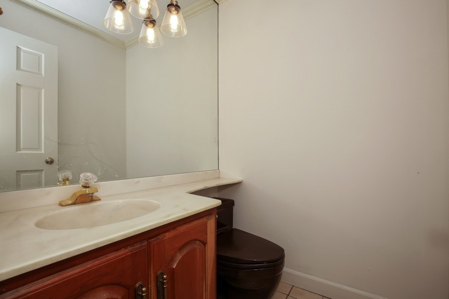 Real Estate Photography - 127 Hidden Oaks Dr, Barrington, IL, 60010 - Half Bath