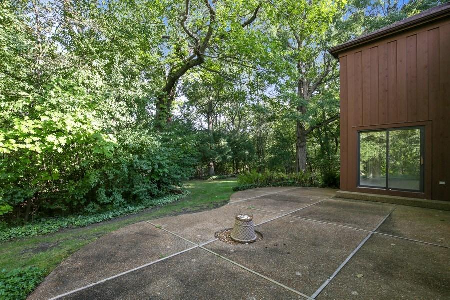Real Estate Photography - 127 Hidden Oaks Dr, Barrington, IL, 60010 - Patio