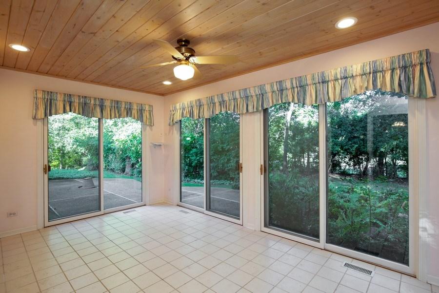 Real Estate Photography - 127 Hidden Oaks Dr, Barrington, IL, 60010 - Sun Room