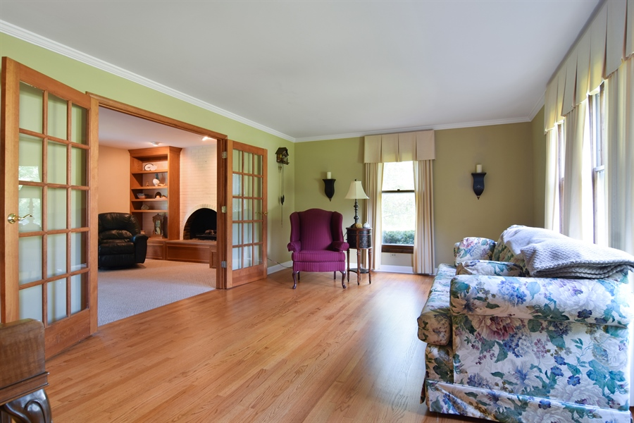 Real Estate Photography - 2 Juniper Road, Rolling Meadows, IL, 60008 - Living Room