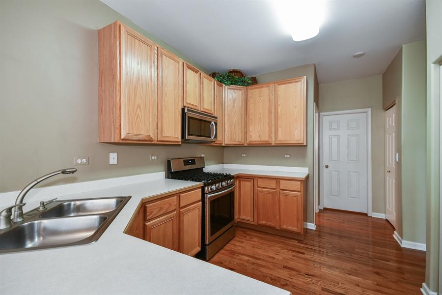 Real Estate Photography - 426 Wolcott Lane, Batavia, IL, 60510 - Kitchen