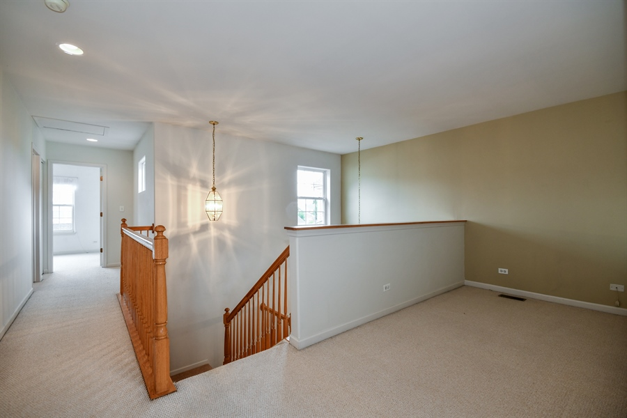Real Estate Photography - 426 Wolcott Lane, Batavia, IL, 60510 - Loft