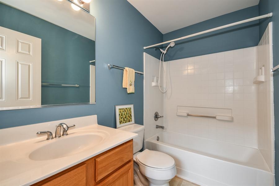 Real Estate Photography - 426 Wolcott Lane, Batavia, IL, 60510 - 2nd Bathroom