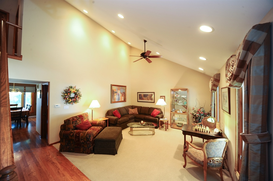 Real Estate Photography - 1315 W. Kingsley Drive, Arlington Heights, IL, 60004 - Living Room