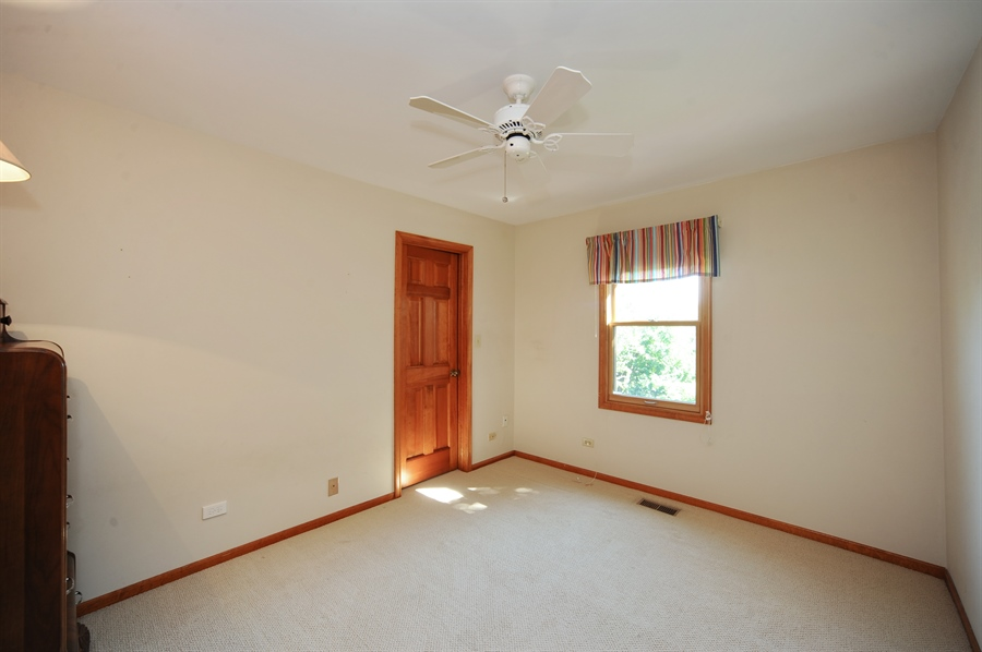 Real Estate Photography - 1315 W. Kingsley Drive, Arlington Heights, IL, 60004 - 2nd Bedroom