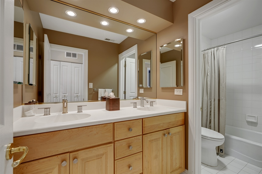 Real Estate Photography - 1329 N. Sutton Place, Chicago, IL, 60610 - 2nd Bathroom