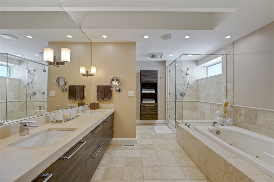 Real Estate Photography - 1329 N. Sutton Place, Chicago, IL, 60610 - Master Bathroom