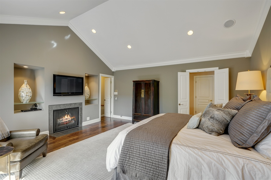 Real Estate Photography - 1329 N. Sutton Place, Chicago, IL, 60610 - Master Bedroom