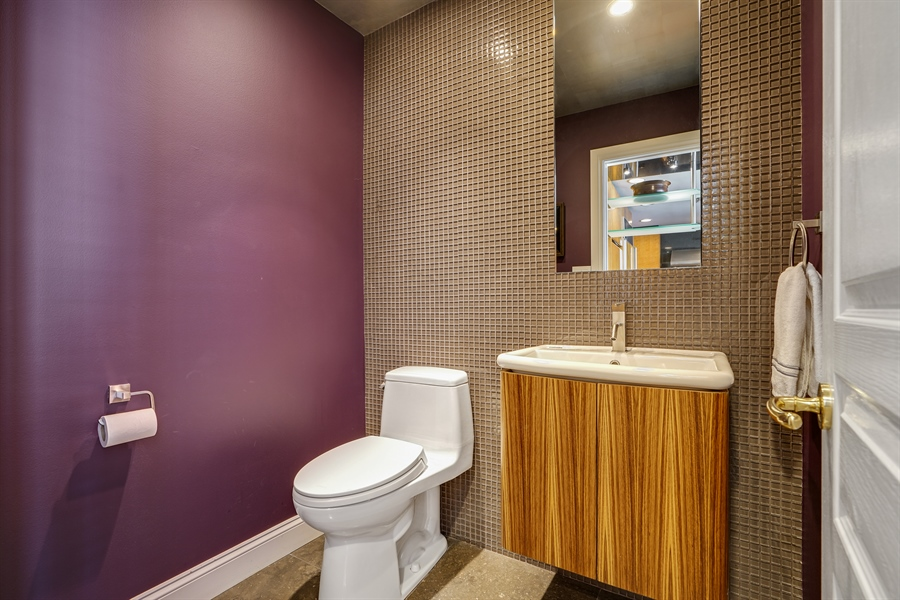 Real Estate Photography - 1329 N. Sutton Place, Chicago, IL, 60610 - Half Bath
