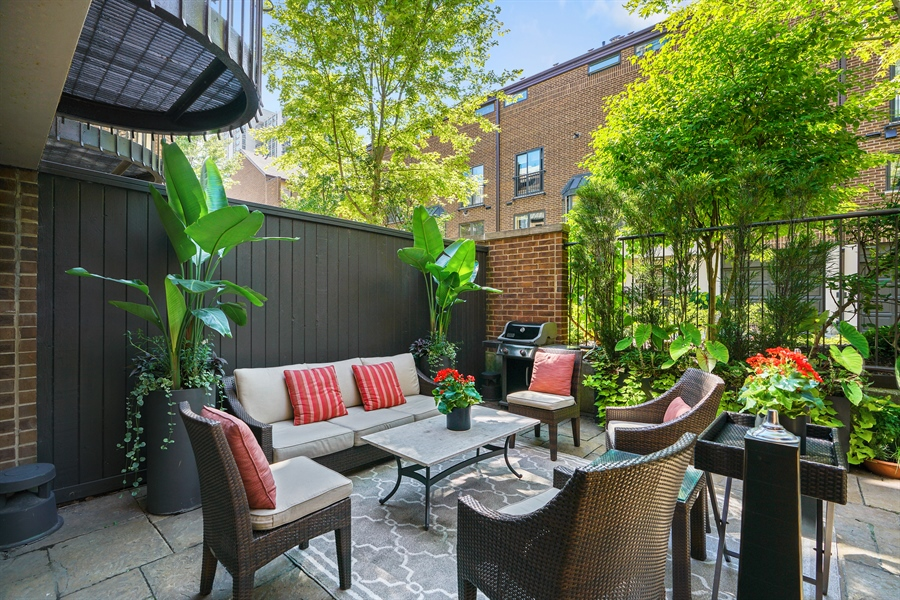 Real Estate Photography - 1329 N. Sutton Place, Chicago, IL, 60610 - Patio
