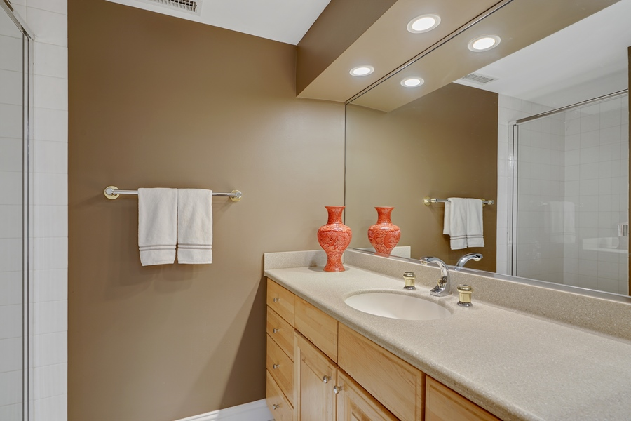 Real Estate Photography - 1329 N. Sutton Place, Chicago, IL, 60610 - 3rd Bathroom