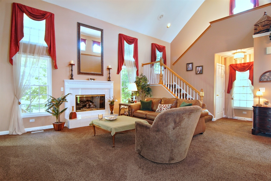 Real Estate Photography - 2300 Brookside Court, Aurora, IL, 60502 - Living Room