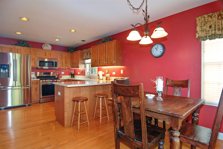 Real Estate Photography - 2300 Brookside Court, Aurora, IL, 60502 - Kitchen / Breakfast Room