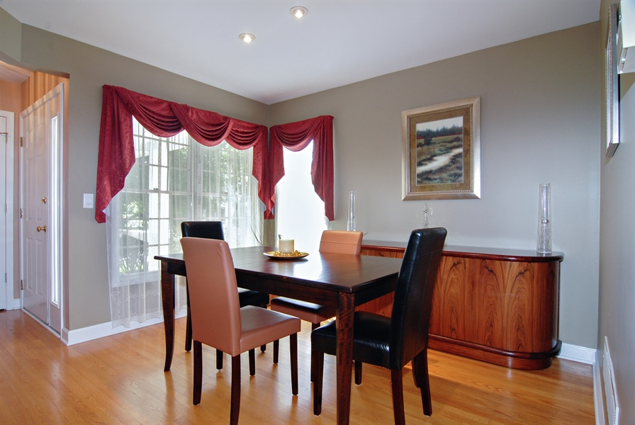 Real Estate Photography - 2300 Brookside Court, Aurora, IL, 60502 - Dining Room