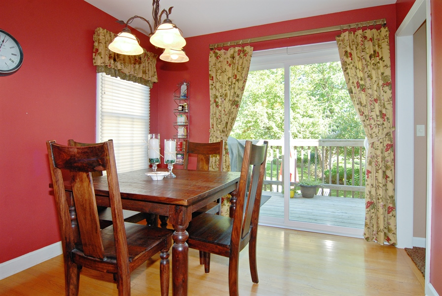 Real Estate Photography - 2300 Brookside Court, Aurora, IL, 60502 - Breakfast Nook