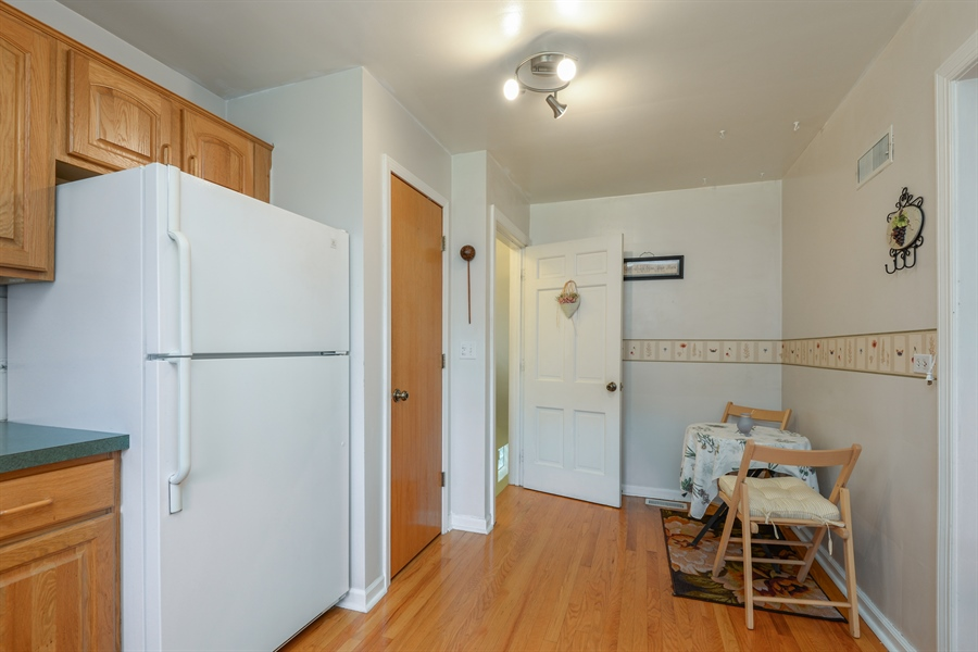 Real Estate Photography - 6210 N. Keeler Avenue, Chicago, IL, 60646 - Kitchen / Breakfast Room