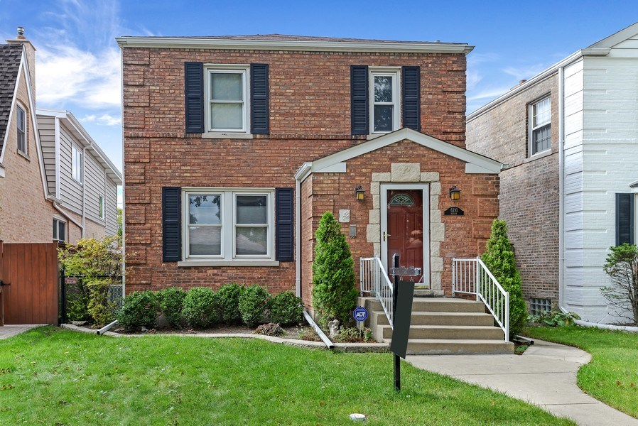 Real Estate Photography - 6210 N. Keeler Avenue, Chicago, IL, 60646 - Front View