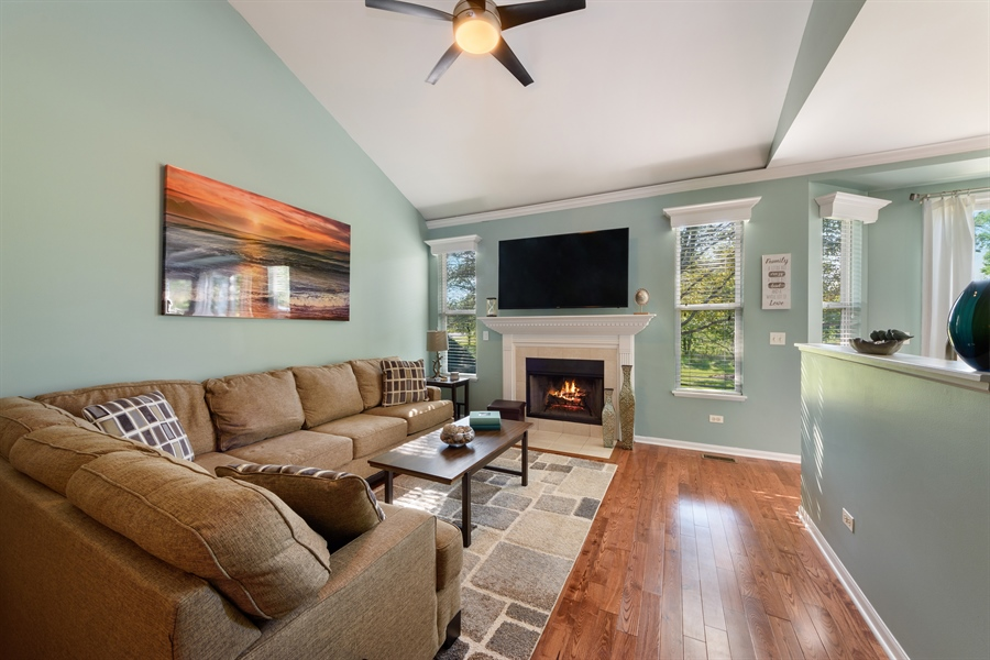 Real Estate Photography - 318 Berkshire Drive, Unit 318, Lake Villa, IL, 60046 - Living Room