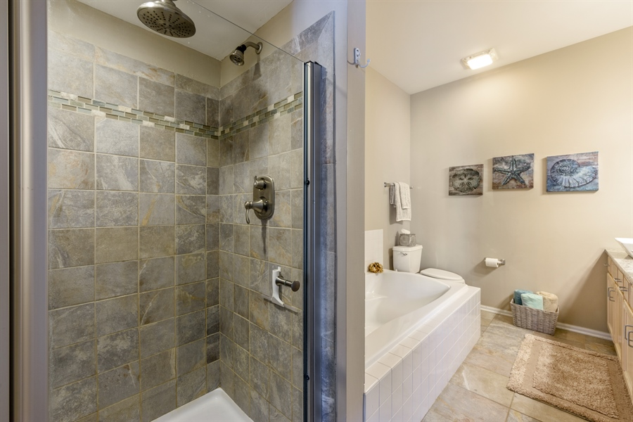 Real Estate Photography - 318 Berkshire Drive, Unit 318, Lake Villa, IL, 60046 - Master Bathroom