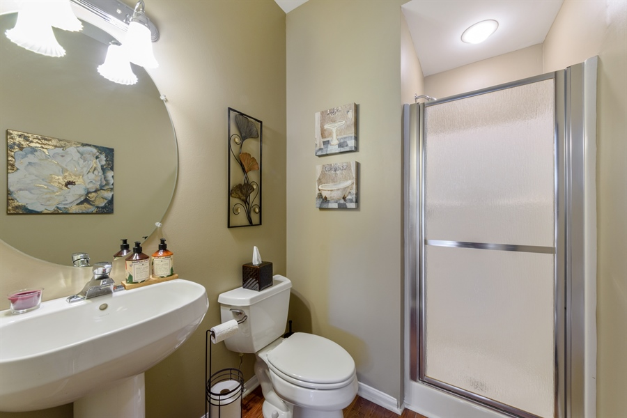 Real Estate Photography - 318 Berkshire Drive, Unit 318, Lake Villa, IL, 60046 - 2nd Bathroom
