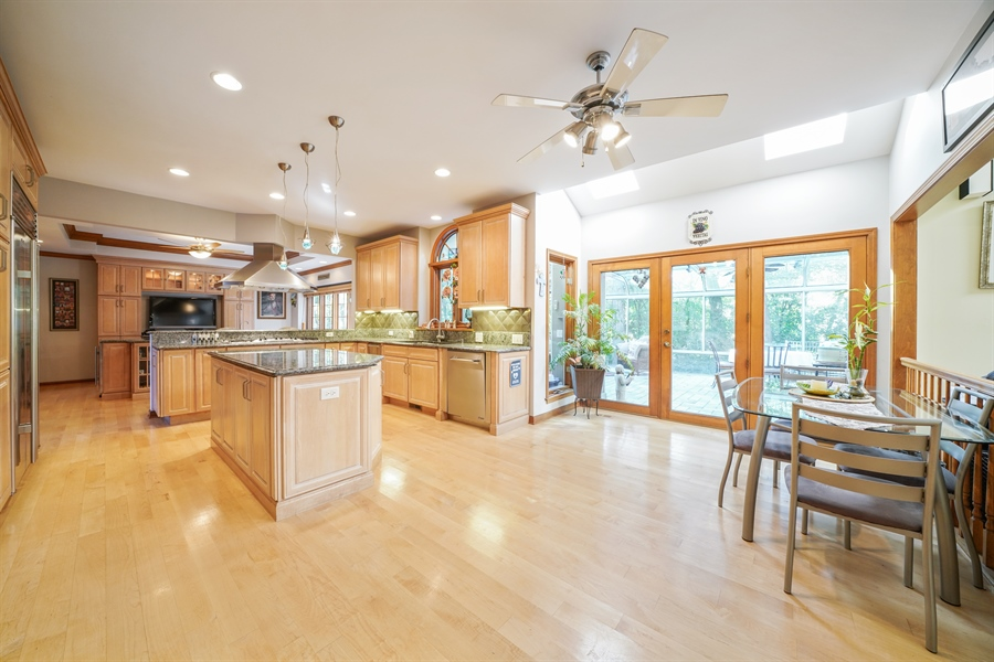 Real Estate Photography - 1278 Keim Trail, Bartlett, IL, 60103 - Kitchen / Breakfast Room