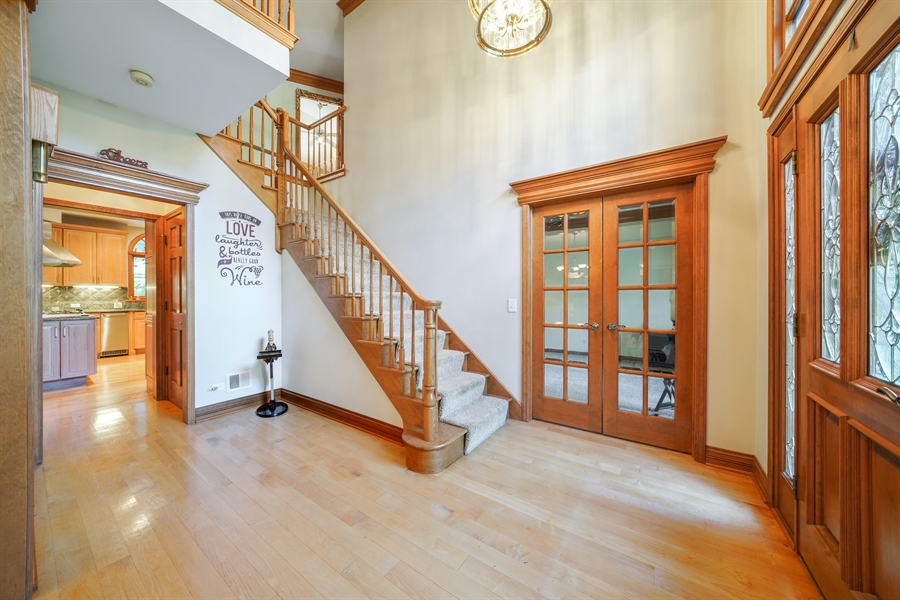 Real Estate Photography - 1278 Keim Trail, Bartlett, IL, 60103 - Foyer
