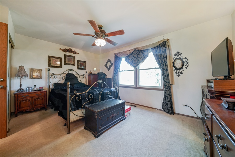 Real Estate Photography - 893 Colony Lake Drive, Schaumburg, IL, 60194 - Master Bedroom