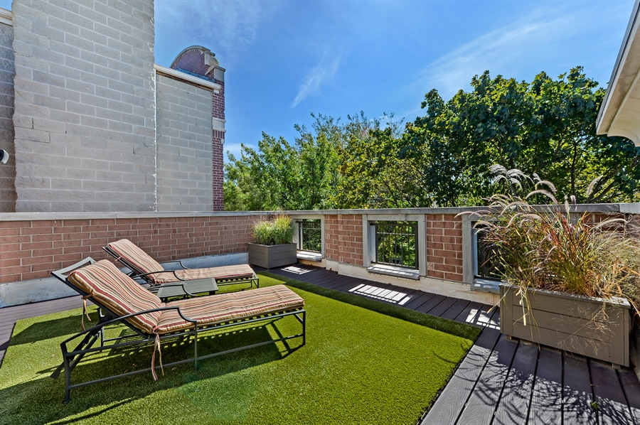 Real Estate Photography - 1330 W. School Street, Chicago, IL, 60657 - Deck