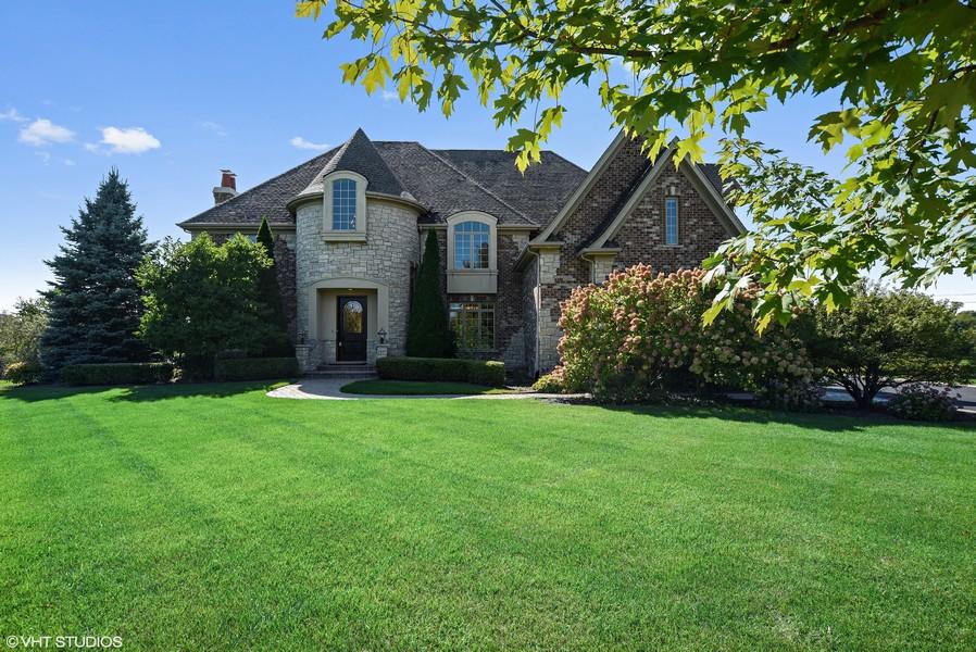 Real Estate Photography - 22220 N. PRAIRIE Lane, Kildeer, IL, 60047 -