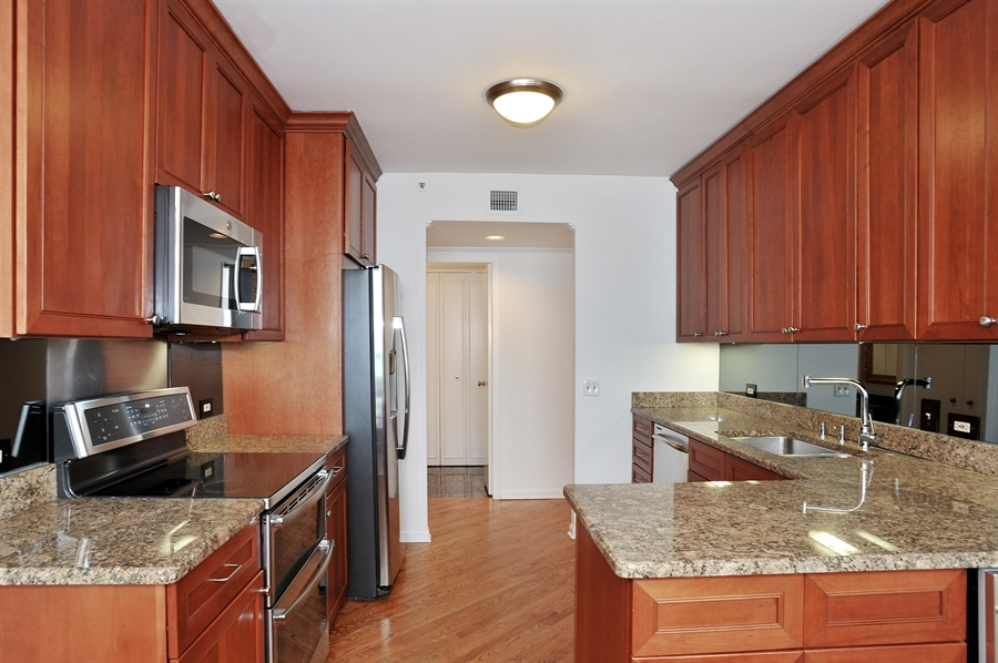 Real Estate Photography - 400 E Ohio, 4802, Chicago, IL, 60611 - Kitchen