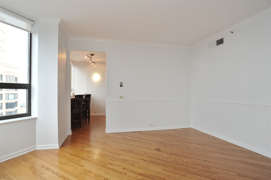 Real Estate Photography - 400 E Ohio, 4802, Chicago, IL, 60611 - Dining Room