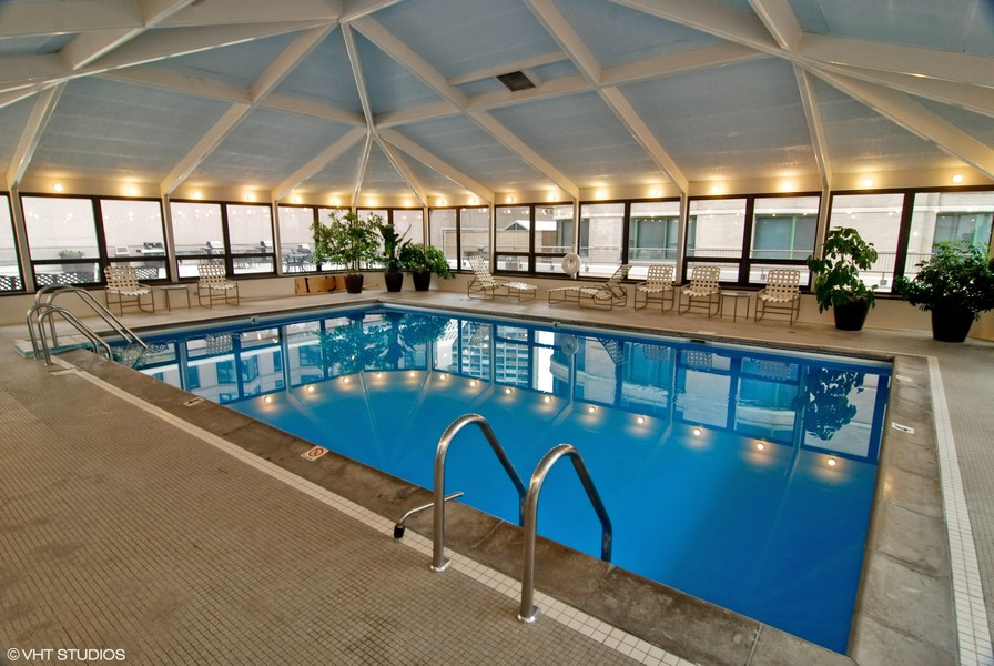 Real Estate Photography - 400 E Ohio, 4802, Chicago, IL, 60611 - Pool