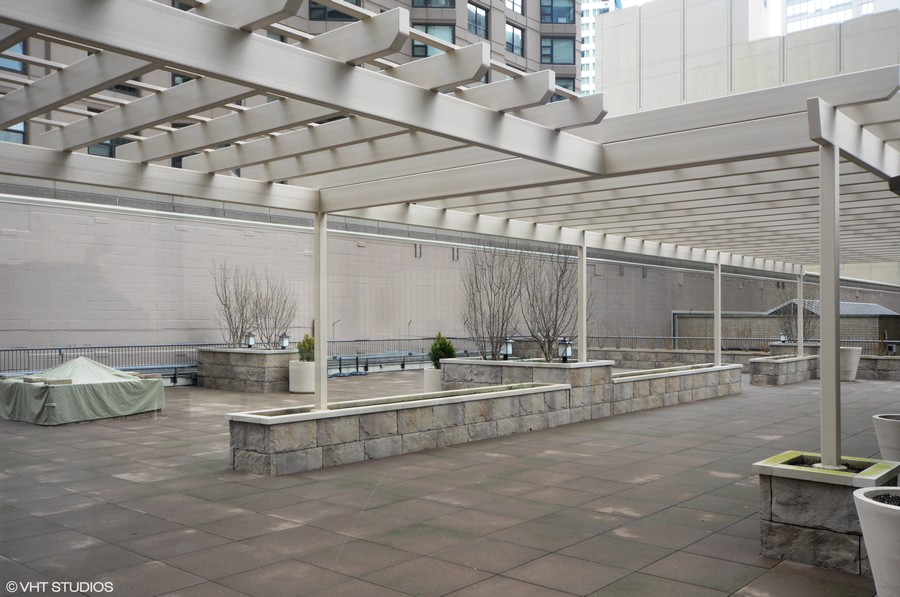 Real Estate Photography - 400 E Ohio, 4802, Chicago, IL, 60611 - Common Sundeck
