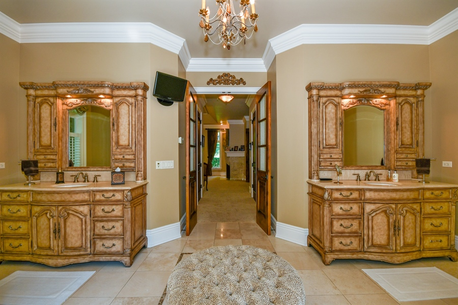 Real Estate Photography - 38W365 Heritage Oaks Drive, St. Charles, IL, 60175 - Master Bathroom