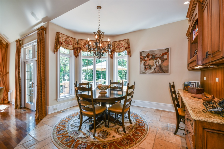 Real Estate Photography - 38W365 Heritage Oaks Drive, St. Charles, IL, 60175 - Breakfast Nook