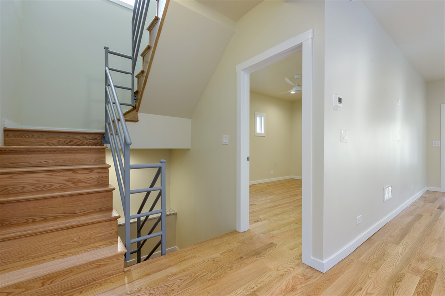 Real Estate Photography - 2125 W. Greenleaf Avenue, Chicago, IL, 60645 - Entryway