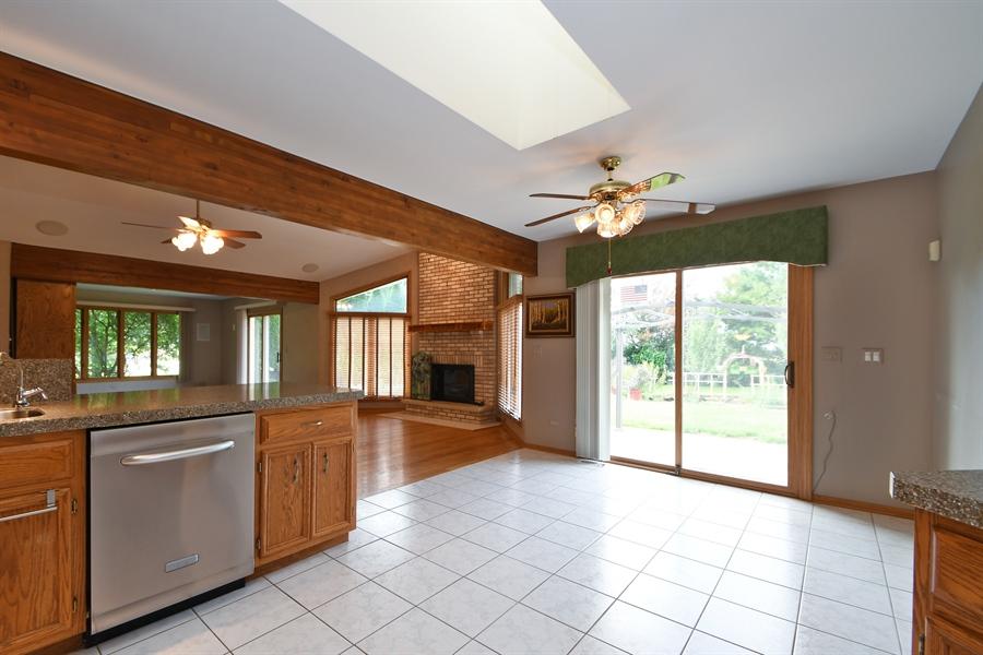 Real Estate Photography - 12303 Cashlenan Lane, New Lenox, IL, 60451 - Kitchen / Breakfast Room
