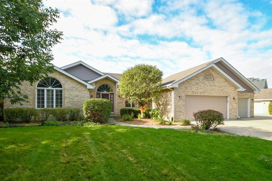 Real Estate Photography - 12303 Cashlenan Lane, New Lenox, IL, 60451 - Front View