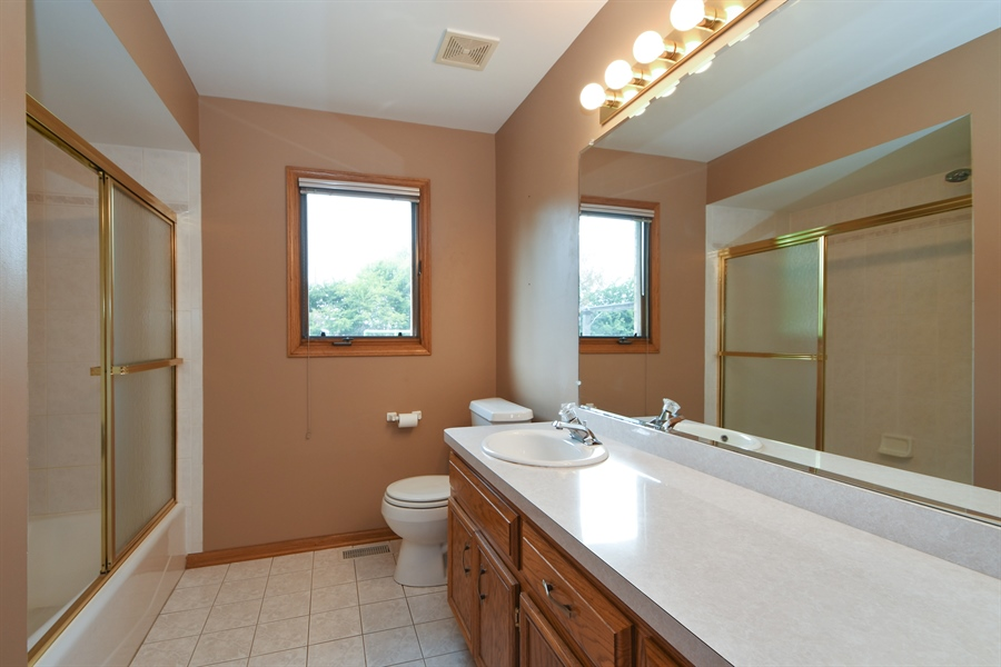 Real Estate Photography - 12303 Cashlenan Lane, New Lenox, IL, 60451 - Bathroom