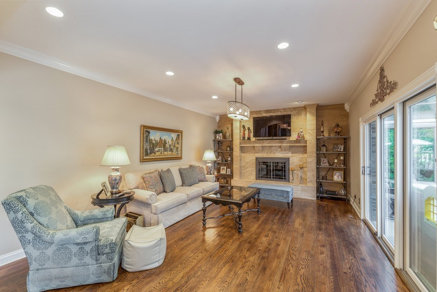 Real Estate Photography - 29W554 Sunset Ridge Dr, Bartlett, IL, 60103 - Family Room