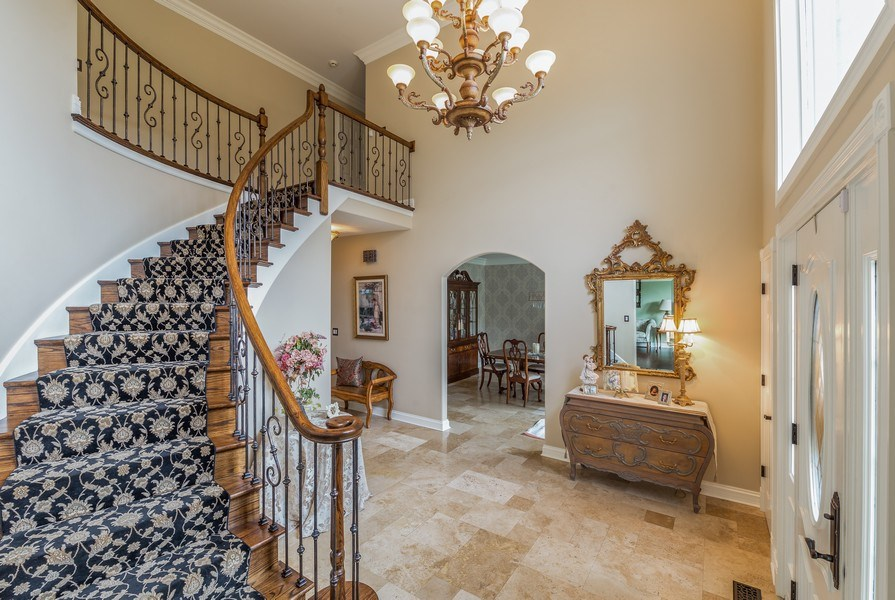 Real Estate Photography - 29W554 Sunset Ridge Dr, Bartlett, IL, 60103 - Foyer