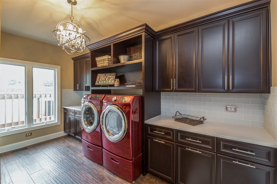 Real Estate Photography - 29W554 Sunset Ridge Dr, Bartlett, IL, 60103 - Laundry Room