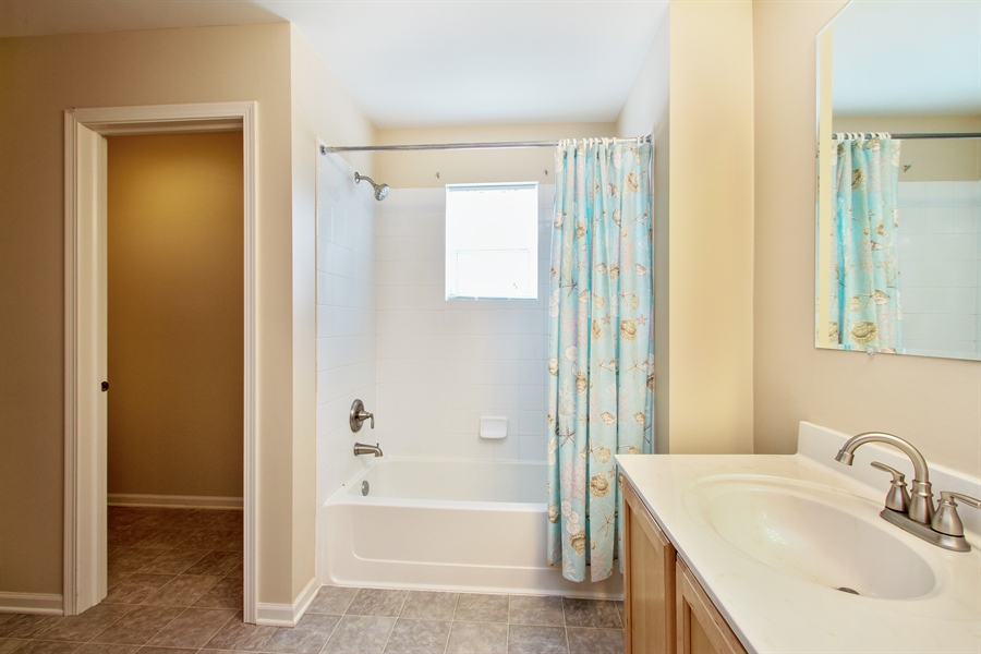 Real Estate Photography - 370 Oakmont Drive, Cary, IL, 60013 - Master Bathroom